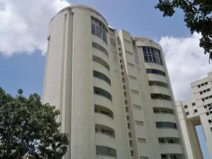 Apartamento En Venta En Valencia, El Parral, Venezuela, VE RAH: 16-19547