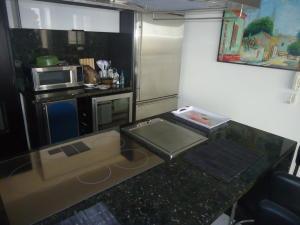 Apartamento En Venta En Maracaibo, 5 De Julio, Venezuela, VE RAH: 16-19553