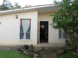 Casa En Venta En Barcelona, El Saman, Venezuela, VE RAH: 16-19563