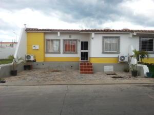 Casa En Venta En Cabudare, Parroquia Cabudare, Venezuela, VE RAH: 16-19582