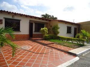 Casa En Venta En Cabudare, Parroquia José Gregorio, Venezuela, VE RAH: 16-19638
