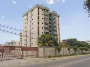 Apartamento En Venta En Parroquia Caraballeda, Tanaguarena, Venezuela, VE RAH: 16-19663