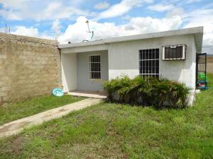 Casa En Venta En Guacara, Ciudad Alianza, Venezuela, VE RAH: 16-19651