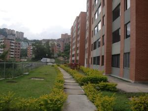 Apartamento En Venta En Caracas, Lomas Del Sol, Venezuela, VE RAH: 16-19797