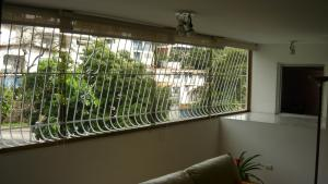 Apartamento En Venta En Caracas, El Marques, Venezuela, VE RAH: 17-216