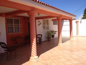 Casa En Venta En Guacara, Ciudad Alianza, Venezuela, VE RAH: 16-19702