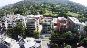 Apartamento En Venta En Caracas, Los Naranjos De Las Mercedes, Venezuela, VE RAH: 16-19751