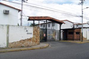 Apartamento En Venta En Municipio Linares Alcantara, Apamate, Venezuela, VE RAH: 16-19891