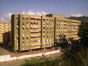 Apartamento En Venta En Guarenas, El Calvario, Venezuela, VE RAH: 16-19745