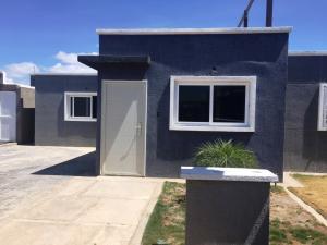 Casa En Venta En Punto Fijo, Puerta Maraven, Venezuela, VE RAH: 16-19747