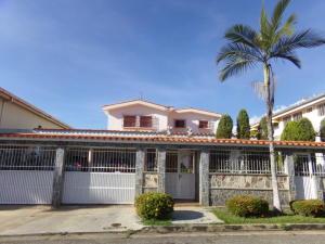 Casa En Venta En Valencia, Trigal Norte, Venezuela, VE RAH: 16-19753