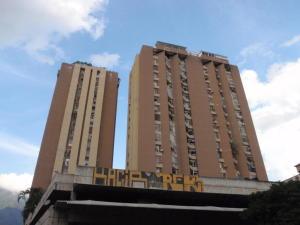 Apartamento En Venta En Caracas, Colinas De Bello Monte, Venezuela, VE RAH: 16-19788