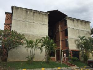 Apartamento En Venta En Guarenas, Nueva Casarapa, Venezuela, VE RAH: 16-19822
