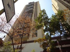 Apartamento En Venta En Caracas, Colinas De Bello Monte, Venezuela, VE RAH: 16-19837