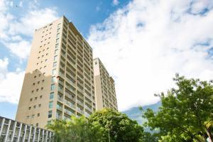 Apartamento En Alquiler En Caracas, Santa Eduvigis, Venezuela, VE RAH: 16-19839