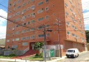 Apartamento En Venta En La Victoria, El Recreo, Venezuela, VE RAH: 16-19851