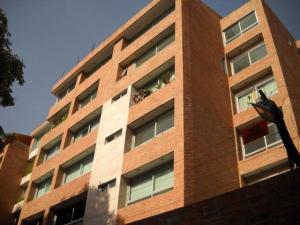 Apartamento En Venta En Caracas, Los Naranjos De Las Mercedes, Venezuela, VE RAH: 16-19873