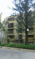 Apartamento En Venta En Caracas, Caricuao, Venezuela, VE RAH: 16-19887