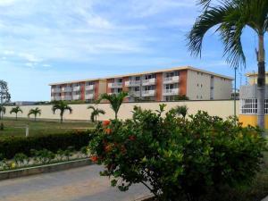 Apartamento En Venta En Higuerote, La Costanera, Venezuela, VE RAH: 16-19895
