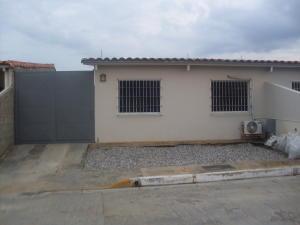 Casa En Venta En Cabudare, Parroquia José Gregorio, Venezuela, VE RAH: 16-19902