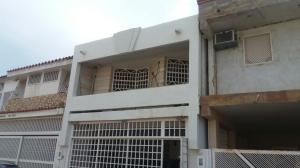 Townhouse En Venta En Maracaibo, El Pilar, Venezuela, VE RAH: 16-19906