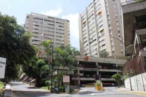 Apartamento En Venta En Caracas, Santa Fe Norte, Venezuela, VE RAH: 16-19935