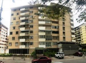 Apartamento En Venta En Caracas, Los Palos Grandes, Venezuela, VE RAH: 16-19944