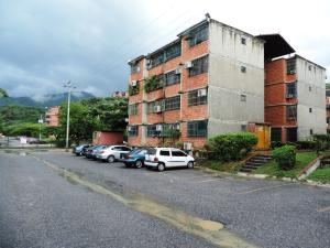 Apartamento En Venta En Guarenas, Nueva Casarapa, Venezuela, VE RAH: 16-19961