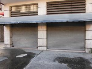 Local Comercial En Alquiler En Caracas, El Recreo, Venezuela, VE RAH: 16-19957