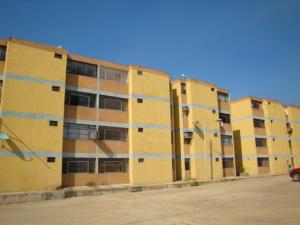 Apartamento En Venta En Municipio Los Guayos, Los Guayos, Venezuela, VE RAH: 16-19970