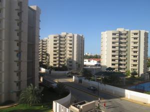 Apartamento En Ventaen Maracaibo, Avenida Milagro Norte, Venezuela, VE RAH: 16-19976