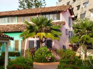 Townhouse En Venta En Rio Chico, Los Canales De Rio Chico, Venezuela, VE RAH: 16-20199