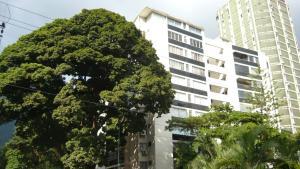 Apartamento En Venta En Caracas, Los Palos Grandes, Venezuela, VE RAH: 17-2423