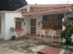 Casa En Venta En Valencia, Trigal Centro, Venezuela, VE RAH: 16-19997
