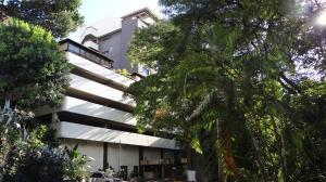 Apartamento En Venta En Caracas, Colinas De Bello Monte, Venezuela, VE RAH: 16-19999