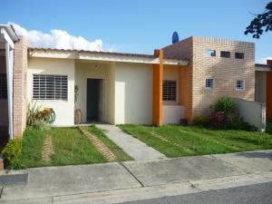 Casa En Venta En Municipio San Diego, Sabana Del Medio, Venezuela, VE RAH: 17-576