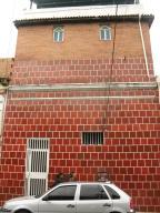 Casa En Venta En Caracas, San Agustin Del Norte, Venezuela, VE RAH: 16-20026