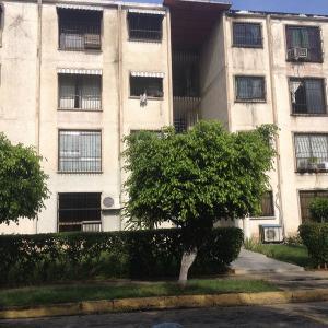 Apartamento En Venta En San Joaquin, La Pradera, Venezuela, VE RAH: 16-20031