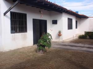 Casa En Venta En Maracay, La Mulera, Venezuela, VE RAH: 16-20051