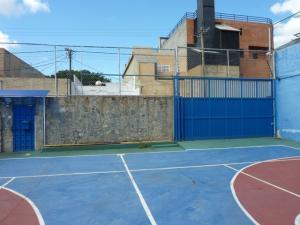 Galpon - Deposito En Alquileren Caracas, Montecristo, Venezuela, VE RAH: 17-9510
