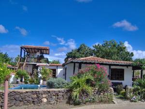 Casa En Venta En Municipio Diaz San Juan, La Guardia, Venezuela, VE RAH: 16-20084