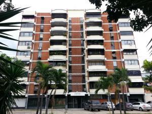 Apartamento En Venta En Maracay, Los Caobos, Venezuela, VE RAH: 16-20092