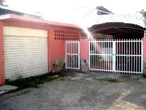 Casa En Venta En Maracay, Las Acacias, Venezuela, VE RAH: 16-20098
