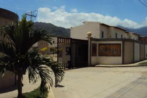 Townhouse En Venta En Municipio San Diego, Pueblo De San Diego, Venezuela, VE RAH: 17-784