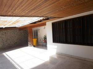 Casa En Venta En Palo Negro, Conjunto Residencial Palo Negro, Venezuela, VE RAH: 16-20112