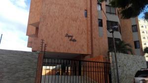 Apartamento En Venta En Maracaibo, Valle Frio, Venezuela, VE RAH: 16-20137