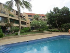 Apartamento En Venta En Municipio Antolin Del Campo Paraguachi, El Cardon, Venezuela, VE RAH: 16-20142
