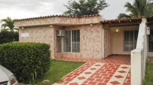 Casa En Venta En Municipio Libertador, Hacienda El Naipe, Venezuela, VE RAH: 16-20182