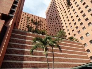 Apartamento En Alquiler En Caracas, Sabana Grande, Venezuela, VE RAH: 16-20179