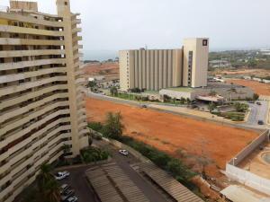 Apartamento En Venta En Maracaibo, El Milagro, Venezuela, VE RAH: 16-20181